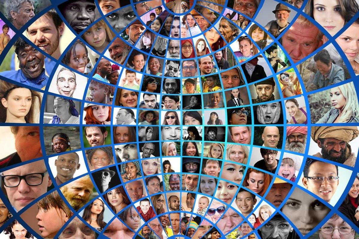 geralt-pixabay-community-working
